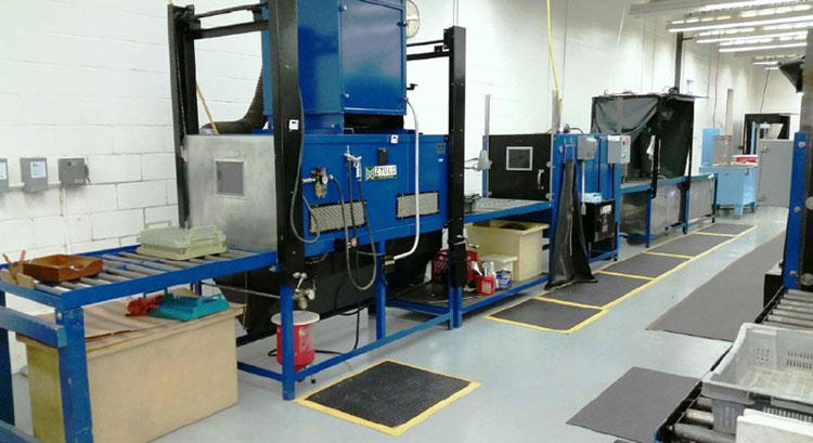 Water washable penetrant system, seven stations